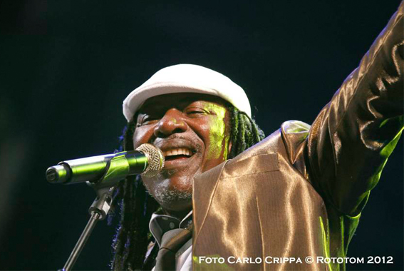 alpha blondy 2012