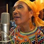 """Holding You Close"" es el nuevo videoclip de Marcia Griffiths"