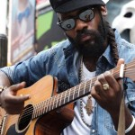 «Gimme likkle one drop» nuevo video de Tarrus Riley.