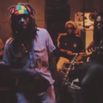 "Jesse Royal presenta su clip ""Modern Day Judas"" sobre el ""Rootsman Riddim"""