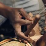 """Dub Inc. presenta el clip de """"Enfants des ghettos"""" junto a Alif Naaba y Méta Dia"""