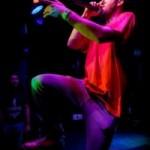Espectáculo en la presentación del 3er número de «Do the reggae»