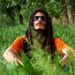 «En un viaje» es el maxi-single de King Farias junto a Mad Rolo