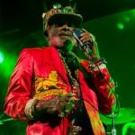 El Nowa Reggae vuelve a convertir la playa de Vilanova en una pequeña Jamaica