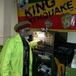 El sound system de Errol Arawak (King Earthquake) destruido en un incendio
